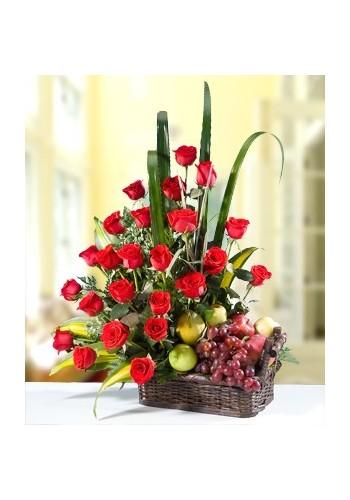 Frutas y Rosas Rojas