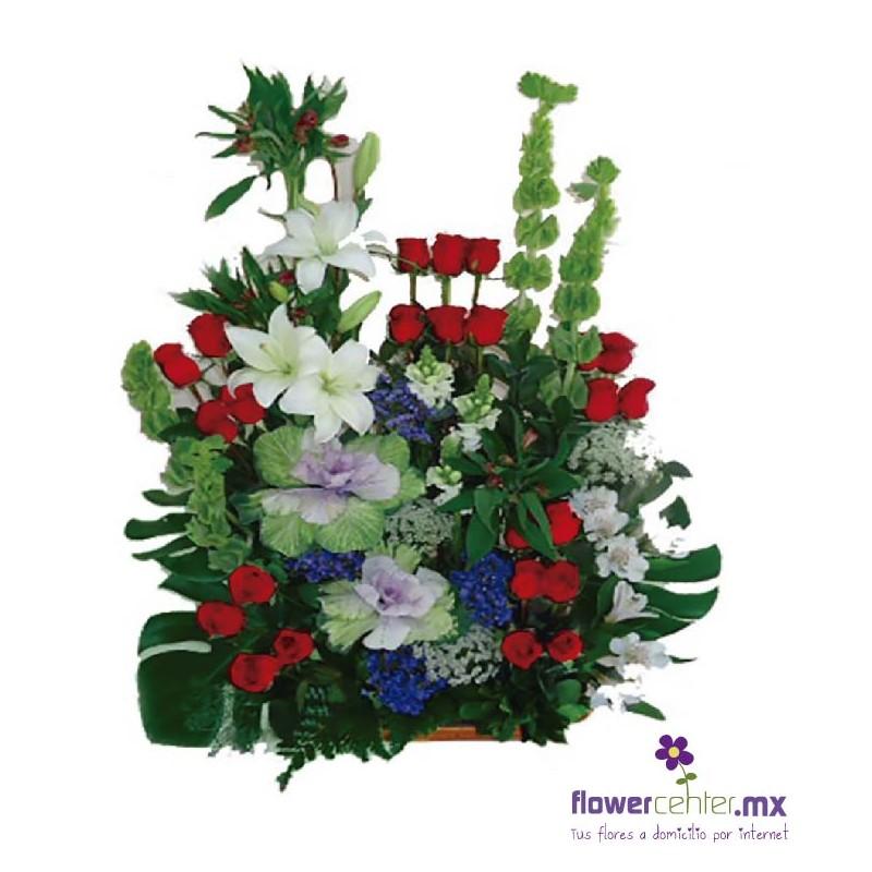 Canasta Floralrosasflorerias En Guadalajararamoslilisenvios Floralesexoticos