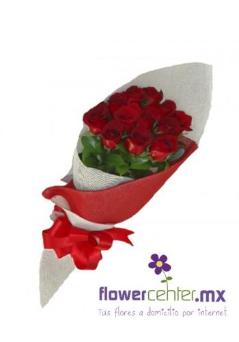 12 Rosas Rojas en Bouquet