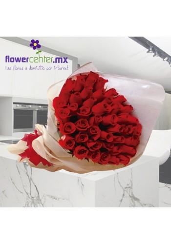 50 Rosas Rojas en Bouquet
