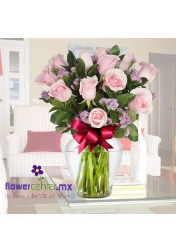 12 Rosas Rosa Claro en Jarron