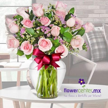 24 Rosas Rosa Claro en Jarron