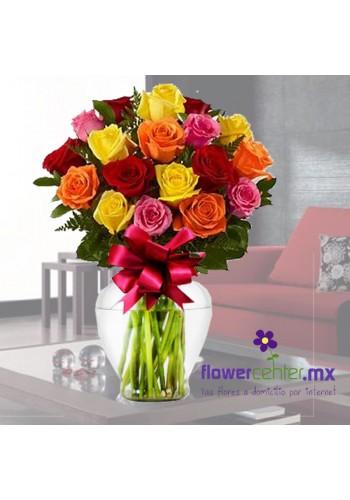 24 Rosas Multicolor en Jarron de 760 a 456